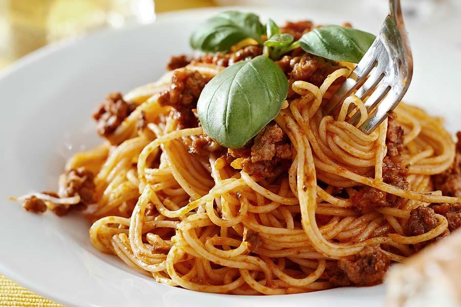 Spaghetti-mit-ragu-alla-bolognese