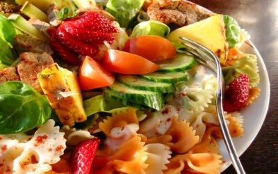 Sommerlicher Nudelsalat mit Aioli