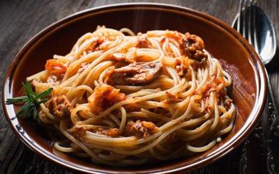 Spaghetti mit Thunfisch-Tomatensauce