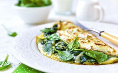 Omelett gefüllt mit Spinat und Käse