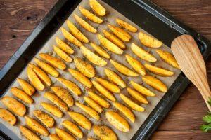 Kartoffelspalten-vom-Blech2