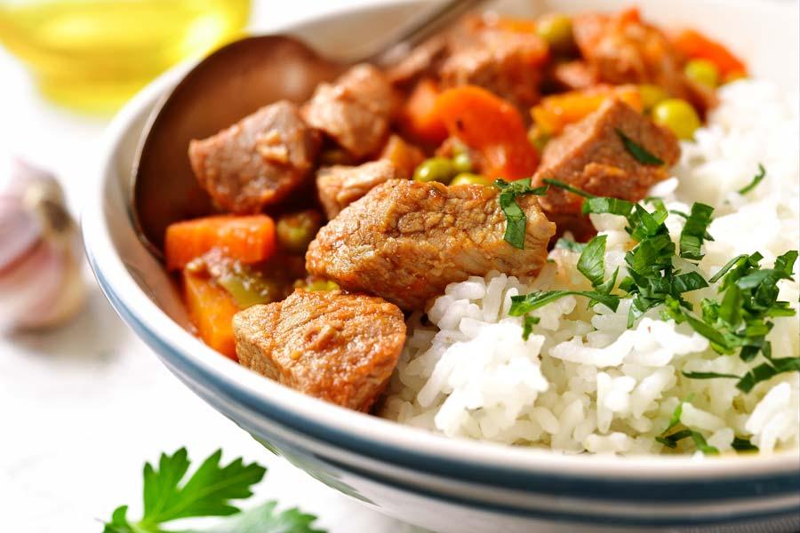 Kalbsgulasch-mit-Reis