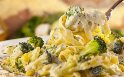Tagliatelle mit Brokkoli und Provolone
