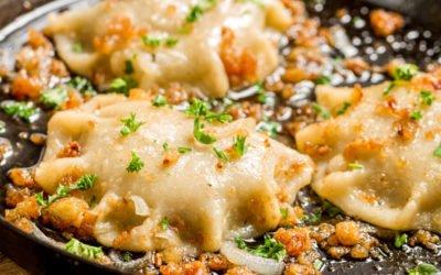 Pilzravioli mit Röstzwiebeln und Schnittlauch