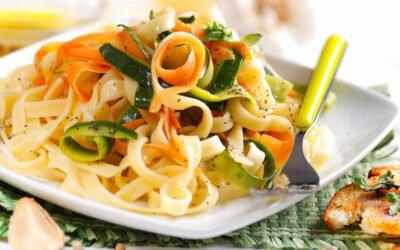 Tagliatelle mit Zucchini-Möhrensauce