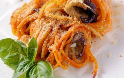 Spaghetti mit Auberginensugo